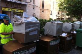 Die defekten Müllschlucker wurden 2012 mit Plastikhauben abgedeckt