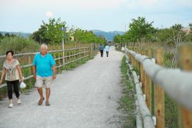 Bis in die Abendstunden wird die Vía Verde auf Mallorca von zahlreichen Spaziergängern genutzt.