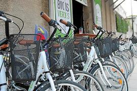 Rund um die Vía Verde auf Mallorca haben sich Fahrradverleiher angesiedelt.