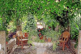 Die Pracht des Gartens von Son Marroig lädt zum Verweilen ein