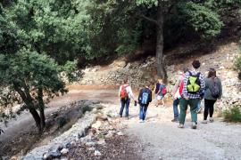 Die Wanderung führt in großen Teilen auf alten Wegen entlang, die für Esel- und Pferdekarren angelegt wurden