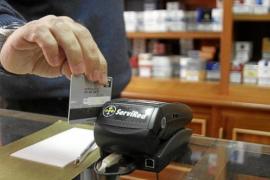 Touristen bezahlen mit Plastikgeld