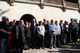 Mehr als 100 Teilnehmer bei Gedenkminute für Opfer von Paris