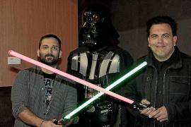 Marcos Cabotá und Toni Bestard kreuzen für die wahre Geschichte von Darth Vader die Lichtschwerter.