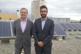 Der balearische Energieminister Joan Boned und Generaldirektor Joan Groizard am Hauptsitz des Arbeitsministeriums auf Mallorca,