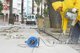 Die Bauarbeiten an der Küstenstraße von Port de Pollença im Norden von Mallorca haben bereits begonnen. Langfristig soll eine Fu