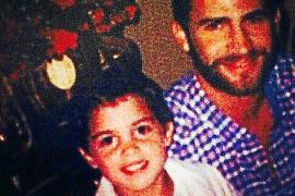 """Als kleines Kind durfte """"Luisito"""" beim damaligen Kronprinzen Felipe auf dem Schoß sitzen. Sein Onkel war für die Segelstunden zu"""