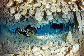 Streit um Europas größte Unterwasserhöhle