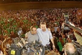 Pablo Iglesias, Vorsitzender der linken Protestpartei Podemos, Jahrgang 1978, hier mit dem balearischen Spitzenkandidaten Juan P