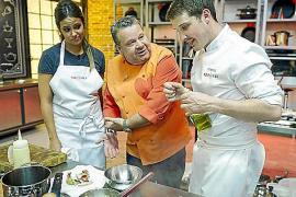 Marcel Reß mit Juror Alberto Chicote und Konkurrentin Carlota Bonder.