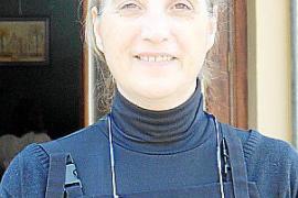 Gastronomin Leonor Amengual freut sich über Touristen in Mancor de la Vall im Landesinneren von Mallorca.