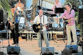 """Auch die Band """"Willi Meyer & Friends"""" ist fester Bestandteil von """"Music & Talk"""" (hier Miki Ramón, Patti Ballinas, Meyer, Joachim"""