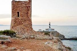 Nicht alle Türme sind im gleichen Zustand: Während in Cala Figuera nur eine Ruine übrig ist...