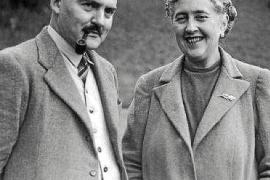 Mit ihrem zweiten Ehemann, dem Archäologen Maxwell Mallowan, besuchte Agatha Christie 1932 oder 1933 für zwei Wochen Mallorca.