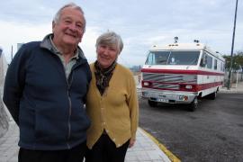 Das Oldtimer-Wohnmobil von Helga und Klaus Schiechel wurde in den USA gebaut.