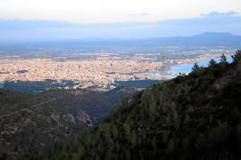 Blick über Palma, von der Anhöhe Na Burguesa aus.