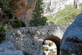 Von Lloseta aus führen Wanderwege ins Tramuntana-Gebirge und bis auf die Höhe des Tossals Verds.