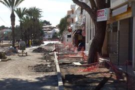 Die Promenade von Port de Pollença ist großflächig aufgerissen