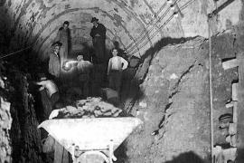Der Tunnel wurden in den Jahren 1928 bis 1931 gebaut.