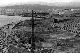 Das Erdreich, das bei Bau der Tunnels anfiel, wurde vor der Stadtmauer abgekippt.