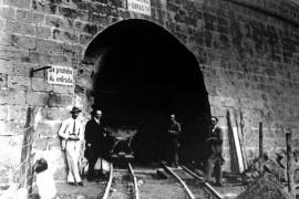 Der Ausgang in der Stadtmauer vor Fertigstellung.