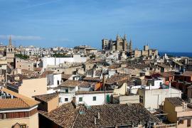 Wohnungen in Palma sind auch bei Urlaubern begehrt, die für ein, zwei Wochen mediterranes Altstadt- oder Großstadtflair erleben