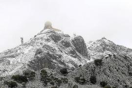 Auf dem Gipfel des Puig Major wurden 20 Zentimeter Schnee gemessen.