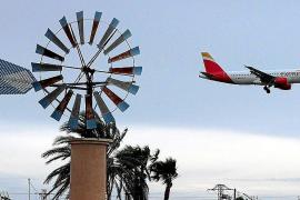 Die Windmühlen rund um den Flughafen von Palma wurden zu einem Markenzeichen der Insel.