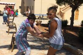 Menschen mit Behinderung verbringen auf der Lebenshilfe-Finca in Sa Coma im Osten von Mallorca unvergessliche Ferien.