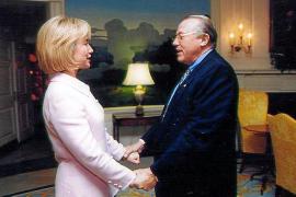 """Hillary ist verliebt in Mallorca"""