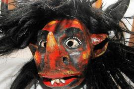 """Die Teufel """"Dimonis"""" sind eine der Eigenheiten der Märchen auf Mallorca. Auf Dorffesten haben sie bis heute eine große Bedeutung"""