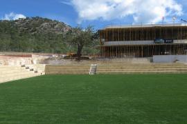 Das Gras auf dem Centre Court ist schon schön grün. Hier soll am 19. Juni das Finale der Mallorca Open gespielt werden.