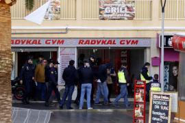 Polizei sprengt Anabolika-Ring