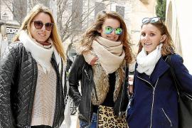 Auf Mallorca sind die Menschen diese Woche sehr winterlich gekleidet.