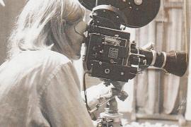 Narcisa Hirsch bei der Arbeit: Anfangs drehte die Künstlerin im Super-8- und 16-mm-Format.