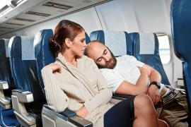 Richtig benehmen: Der Knigge fürs Flugzeug