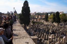 Grabkunst vom Verfall bedroht