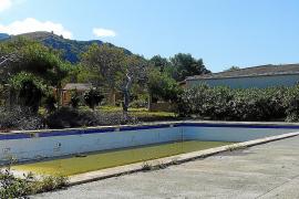 Die Installationen auf dem geschlossenen Campinggelände in Colònia de Sant Pere im Nordosten von Mallorca verfallen von Jahr zu