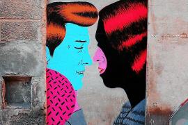 Er macht zugemauerte Hauseingänge zu urbaner Kunst