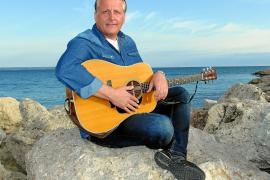 """""""Auf Mallorca spiele ich am liebsten Gitarre"""""""