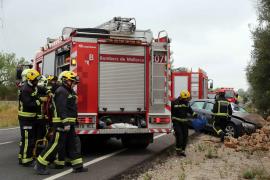 Ein Audi A5 war auf Höhe von Kilometer 21 mit zwei Radfahrern kollidiert.