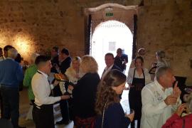 Nach der Ehrung in Capdepera im Nordosten von Mallorca gab es Tapas und Livemusik.