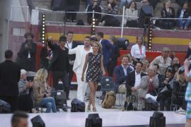 Einmarsch der Juroren zu Beginn der Show: Heidi Klum, Michael Michalsky und dahinter Thomas Hayo