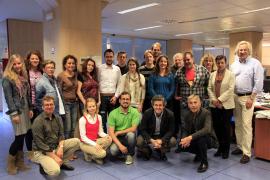 Zum Geburtstagsfoto versammelt: Das sind die MM-Mitarbeiter aus Redaktion, Anzeigenabteilung, Verwaltung, Grafik und Direktion.