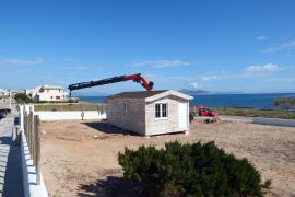 Der Strandkiosk befindet sich auf einem Privatgrundstück mit unverbautem Meerblick