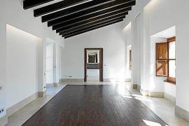 Das etwa 200 Jahre alte Gebäude ist vom Eigentümer aufwendig renoviert worden.