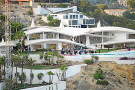 Luxuriöse Party hoch über der Cala Blanca