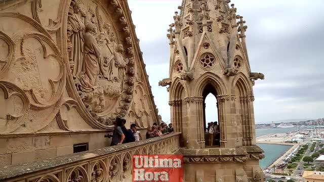 Endlich Führungen über Dachterrassen der Kathedrale