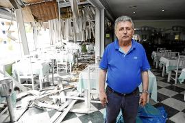 Stadtbus-Brand zerstört zwei Restaurants in Illetes