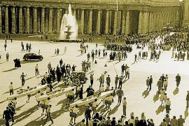 In Rom kamen die Sportler zur Audienz bei Papst Pius XII. auf den Petersplatz.
